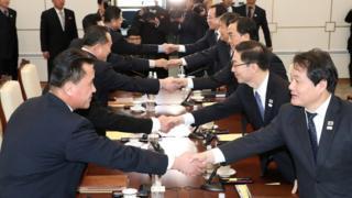 Reunião entre sul e norte-coreanos para acordar participação na Olimpíada de Inverno