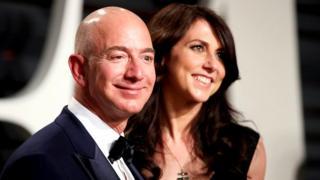 world's richest man, Jeff Bezos, MacKenzie, record-breaking divorce settlement, दुनिया के सबसे धनी आदमी, जेफ़ बेज़ोस, मैकेंज़ी, तलाक़, अमेज़ॉन