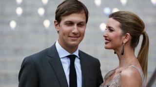 贾里德·库什纳(左)与妻子伊万卡·特朗普(资料图片)
