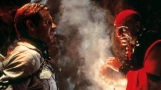 """Пури наиболее известен западной аудитории по своей роли бандита в фильме """"Индиана Джонс и храм судьбы"""" - что можно рассматривать как пример голливудского стереотипа в отношении Индии"""