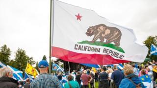ماذا سيحدث لو انفصلت ولاية كاليفورنيا عن الولايات المتحدة الأمريكية؟