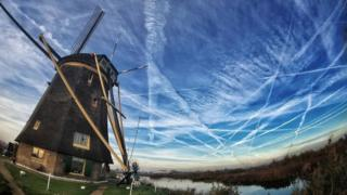 The busy skies over Kinderdijk