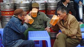 Lái ô tô, xe máy sau khi uống bia rượu có thể bị tước bằng lái tới 2 năm