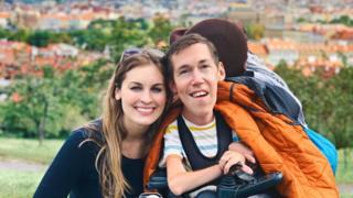 Shane Burcaw e Hannah Aylward