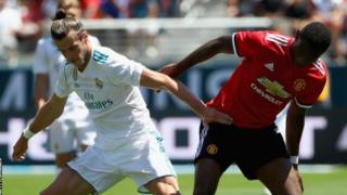 Gareth Bale kushoto