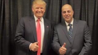 القائد العسكري السابق لمعتقل الخيام عامر الياس الفاخوري مع الرئيس الأمريكي دونالد ترامب