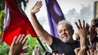 Lula em São Bernardo do Campo após sair da prisão