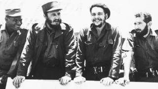 Fidel Castro ao lado de Che Guevara