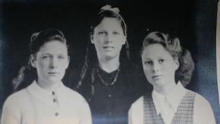 Muriel (centre) with her sisters