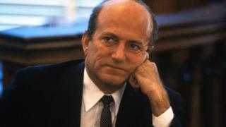 Claus von Bülow at a pretrial hearing