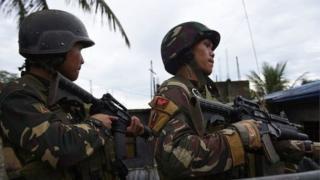 ระเบิดพลาดเป้ากลุ่มติดอาวุธ ถูกทหารฟิลิปปินส์