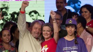 Lula ao lado de Gleisi Hoffmann