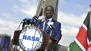 M. Odinga a précisé que mardi, en début d'après-midi, des pirates avaient accédé au système électronique de la Commission électorale (IEBC)