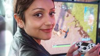 Perveen Akhtar playing Fortnite