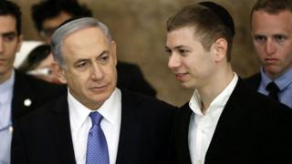 Benjamin and Yair Netanyahu (file photo)