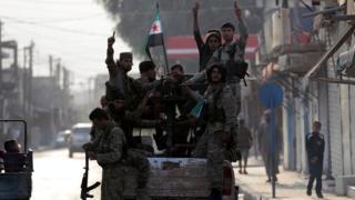 مقاتلون سوريون موالون لتركيا