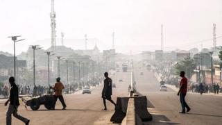 e calme est revenu à Kinshasa près une matinée tendue marquée par des affrontements entre les forces de l'ordre et les membres d'une secte politico-religieuse.