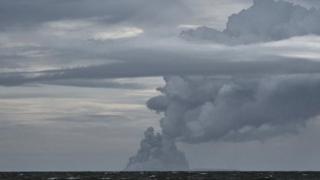 فوران آتشفشان آناک کراکتوا با مرگ ۴۰۰ نفر در اثر سونامی همراه بود