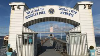 Entrance to Mumbles pier