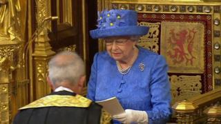 آغاز کار پارلمان جدید بریتانیا با پیام ملکه