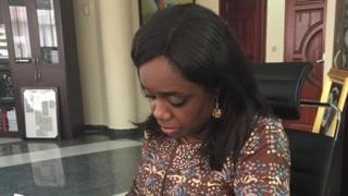 Kemi Adeosun bụ m̀inista akụ na uba Nigeria dị na-aka