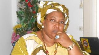 Légende : ce mercredi commémore l'anniversaire de toutes les victimes de la répression en Guinée a annoncé Asmaou Diallo, présidente de l'AVIPA, dans une allocution radio.