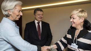 Директор-распорядитель МВФ Кристин Лагард, президент Украины Петр Порошенко, глава НБУ Валерия Гонтарева