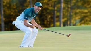 El español Sergio García celebra su victoria en el Masters de Augusta