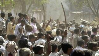 গুজরাতে ২০০২ সালে দাঙ্গার ছবি