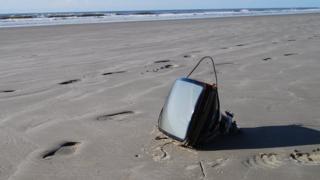 Lixo encontrado em praias brasileiras