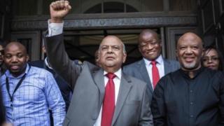 Xubno saamayn ku leh xisbiga ANC ayaa diiddan in la eryo Gordhan