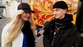 """Čuma Večerinka intervjuiše jednog """"modnog mačka"""" za emisiju na Jutjub kanalu Lui Vagon"""