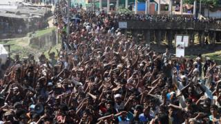 مئات اللاجئين احتجوا على برنامج ترحيلهم إلى ميانمار يوم الخميس