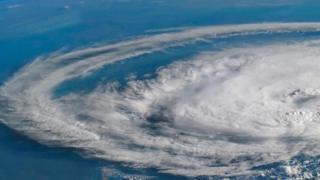 إعصار تم تصويره من الفضاء