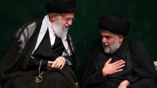 مقتصدی صدر و آیت الله علی خامنهای در مراسم عزاداری سالگرد امام سوم شیعیان