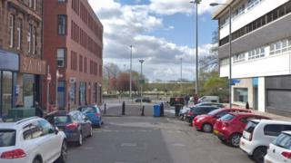 Pregnant woman attacked and robbed in Glasgow