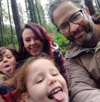 Teulu Abrams, Jacob, 5, Isabel, 7, Danielle a Nathan