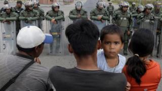 Foto en la frontera entre Colombia y Venezuela.
