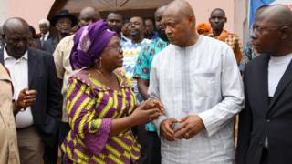 Brigitte Adjamagbo-Johnson et Jean-Pierre Fabre, à l'issue d'une cérémonie de prière pour les victimes des manifestations de l'opposition.