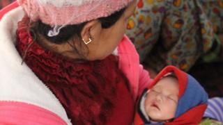 လားရှိုးမြို့ သီရိမင်္ဂလာ မန်ဆူရှမ်းကျောင်းတိုက်မှာ လာရောက်စစ်ဘေးရှောင်နေတဲ့ သားအမိ