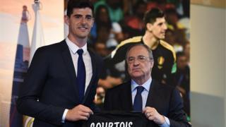 Thibaut Courtois àti Florentino Pérez