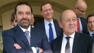 Saad Hariri (L) meets French Foreign Minister Jean-Yves Le Drian (R) in Riyadh, Saudi Arabia (16 November 2017)