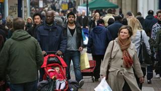 """""""فجوة كبيرة"""" فى مستويات معيشة المجموعات العرقية في بريطانيا"""
