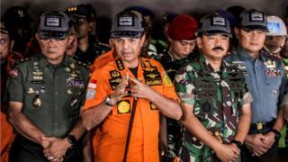Tim gabungan SAR telah menangkap sinyal yang disebut terkait dengan keberadaan black box dari pesawat Lion Air JT 610 yang jatuh di perairan Karawang, Jawa Barat.