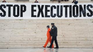 US federal executions halted over 'potentially unlawful' method