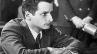 Leon Kamin testifica ante el comité de McCarthy en 1954.