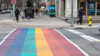 RAINBOW-CROSSING-IN-TORONTO.