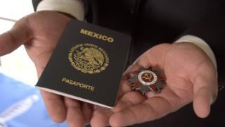 орден и паспорт Круза