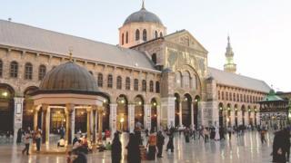 عالم الكتب: دولة التلاوة والإنشاد بين مصر وسوريا