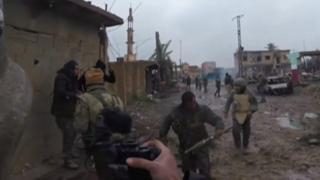 دافع الرئيس الامريكي على قراره سحب قواته من سوريا. ولكن المقاتلين الأكراد والعرب الذي يقاتلون تنظيم الدولة الإسلامية في سوريا يحذرون من أن ذلك الانسحاب قد يتسبب في كارثة